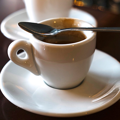 コーヒーを飲みすぎてカフェイン中毒になった時の話のサムネイル